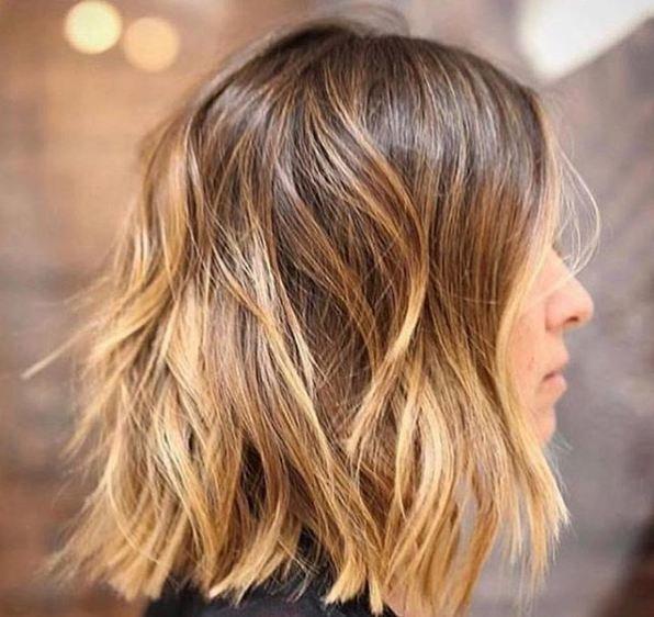 Cortes de cabello ondulado al hombro