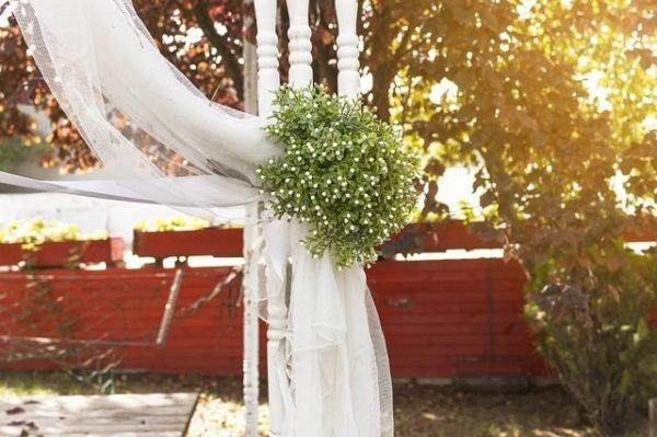 celebrar-boda-en-el-jardin-telas
