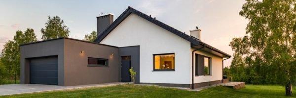 Colores de fachadas para casas blanca y gris oscura