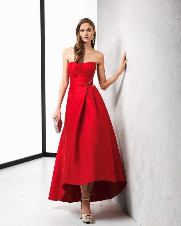 a0359bb4c Veamos más de las propuestas de vestidos de fiesta rojos de Rosa Clará para Primavera  Verano 2019