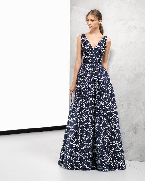 44ab2f57d El catálogo de Vestidos de fiesta Rosa Clará Primavera Verano 2019 ...