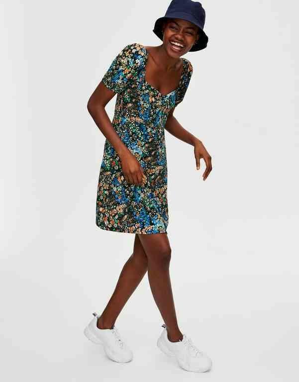 Cómo Llevar Un Vestido Con Zapatillas Tendenziascom