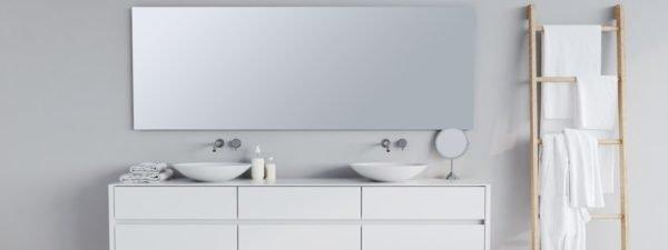 Como decorar una pared con espejos bano rectangular