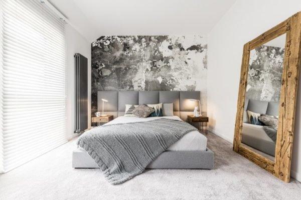 Como decorar una pared con espejos dormitorio