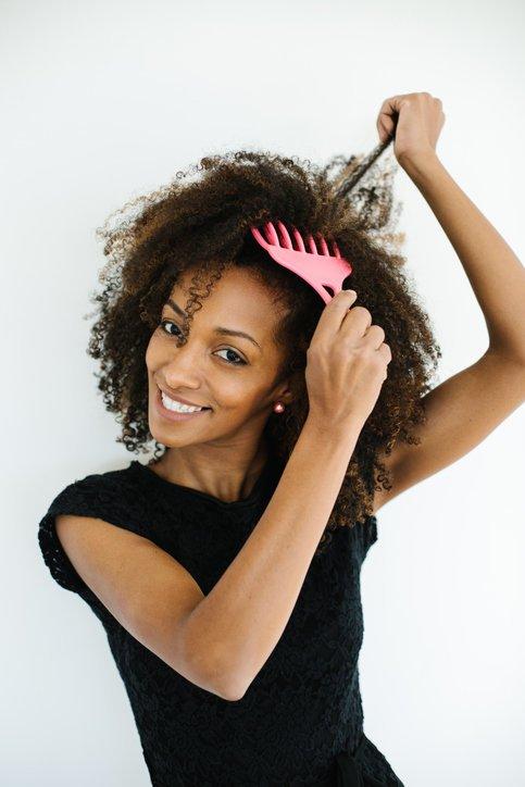 Trucos faciles para desenredar el pelo rapido y sin dolor