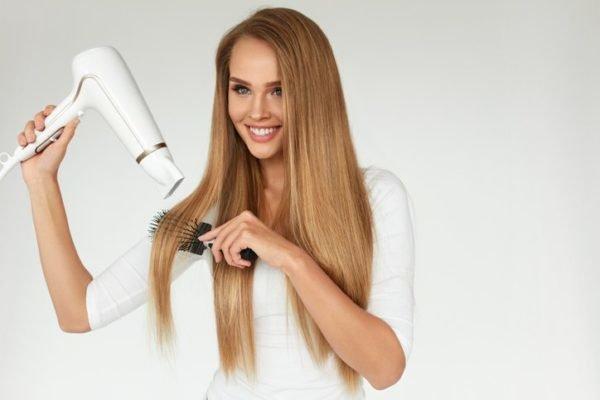 Trucos faciles para desenredar el pelo rapido y sin dolor secador