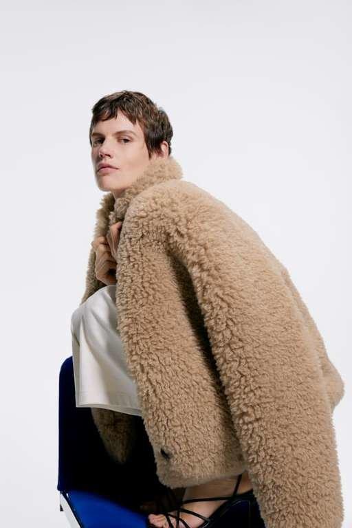 Diez abrigos de vestir de Zara que hacen elegante cualquier