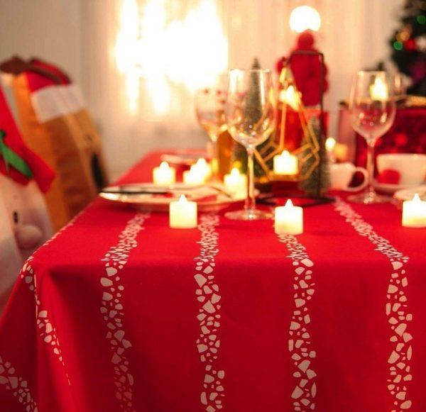 Mantel navideño decorativo de Deconovo con rayas