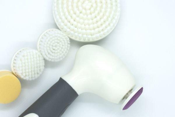 mejores-limpiadores-ultrasonicos-faciales-istock