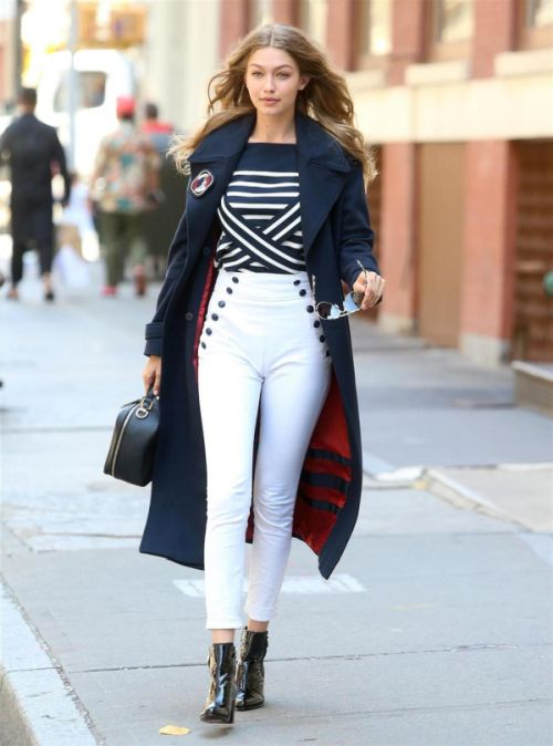 como-combinar-un-pantalon-blanco-con-abrigo-invierno-instyle