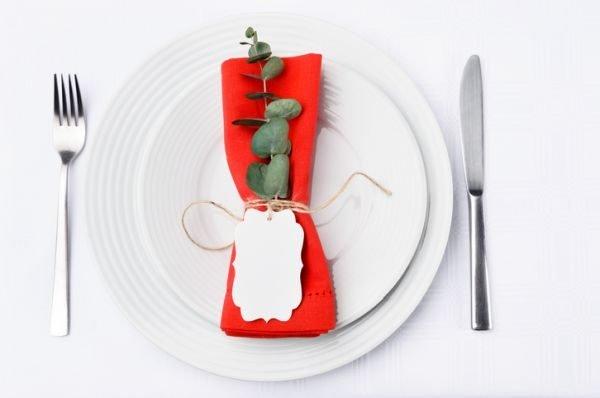 seating-plan-boda-originales-mesa-invitados-servilleta-istock