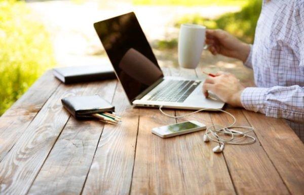 como-montar-una-oficina-en-casa-exterior-istock