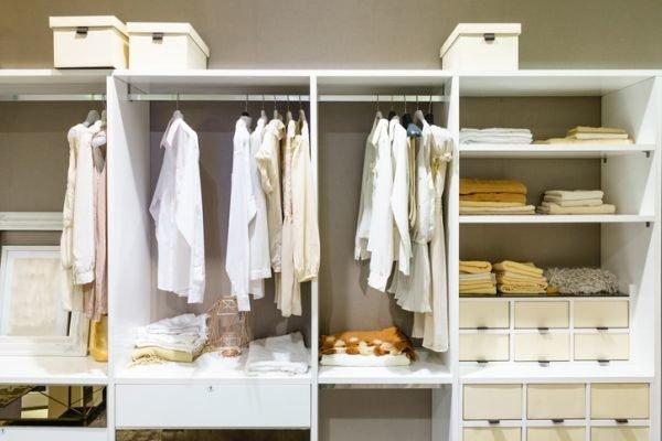 como-organizar-armarios-empotrados-istock