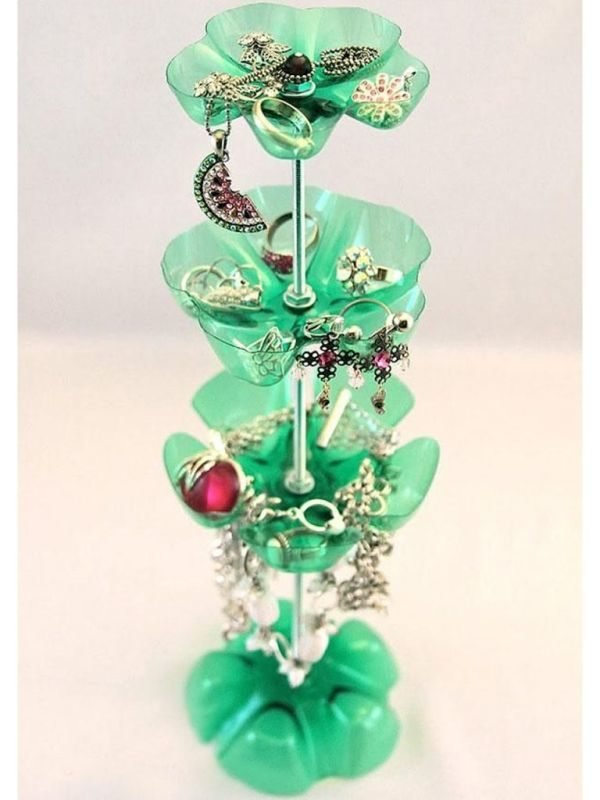 ideas-para-reciclar-botellas-de-plastico-joyero-umadecoracion