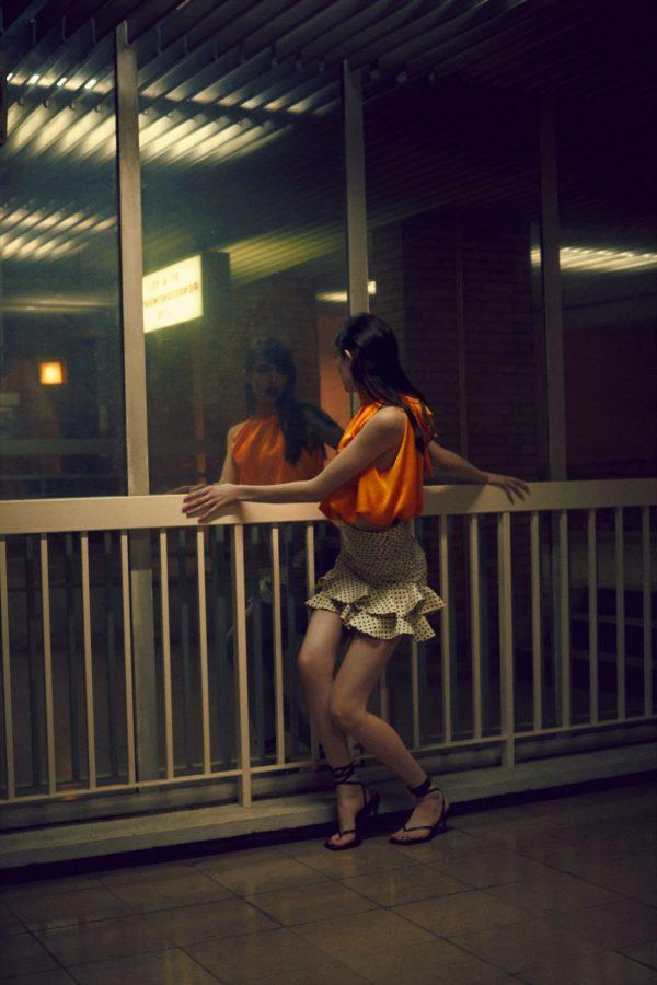 catalogo-zara-mujer-falda-mini-lunares