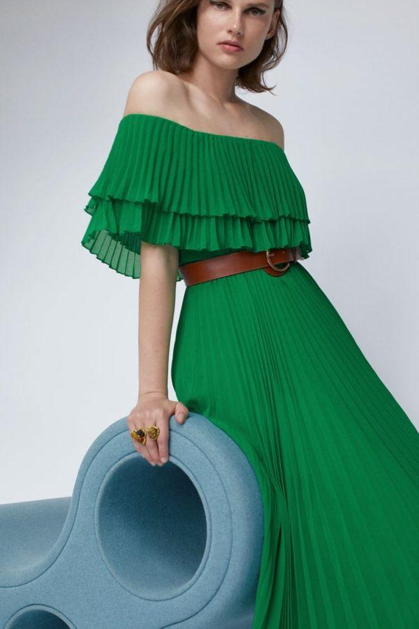 catalogo-zara-mujer-vestido-plisado-con-cinturon-verde