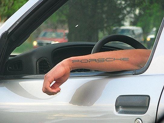 Porche tatuaje