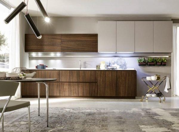 50-ideas-combinar-los-colores-la-cocina-modelo-pedini-tonos-madera-blanco-crudo