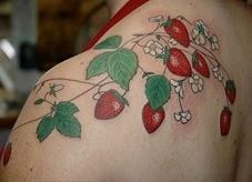 Conheça-um-pouco-sobre-as-tatuagens-de-morangos-17