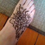 Henna-tattoo-on-foot-picture-43