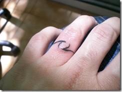 Tatuaje anillos boda 3