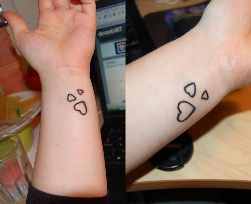Simple Small Heart Tattoos for Girls