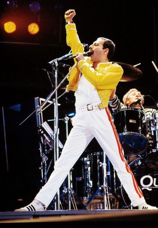 aniversario-de-la-muerte-freddie-mercury-22-anos-de-la-muerte-del-lider-de-queen-freddie-mercury-concierto