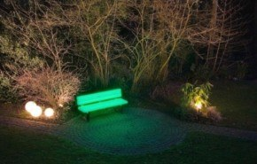 Un banco para iluminar tu jardín