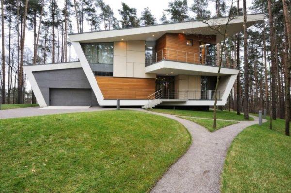 casa-moderna-con-una-fachada-futurista