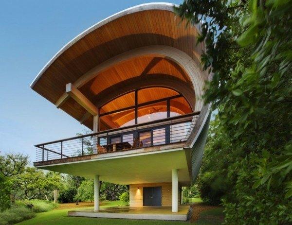 casas-ecologicas-y-modernas-casa-con-techo-interior-madera