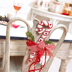 christmas-chair-decorating-ideas-12