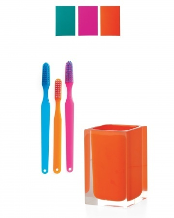 colorblocked-toothbrushes-mld108526_vert