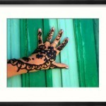 coombe-juliet-traditional-henna-painting-on-hand-egypt