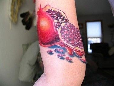 cor-e-frescura-nas-tatuagens-de-frutas-10
