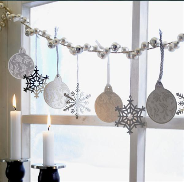 30 ideas para decorar ventanas en navidad tendenzias for Casa namu diseno decoracion