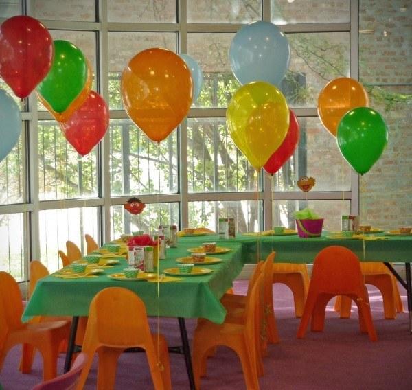 decoracion-con-globos-ideas-globos-sillas-fiesta-infantil