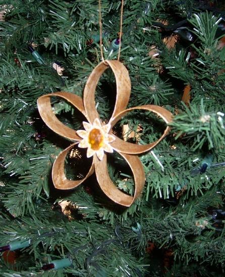 Decoraci n navide a con materiales reciclados 2018 - Ideas para decorar en navidad con material reciclable ...