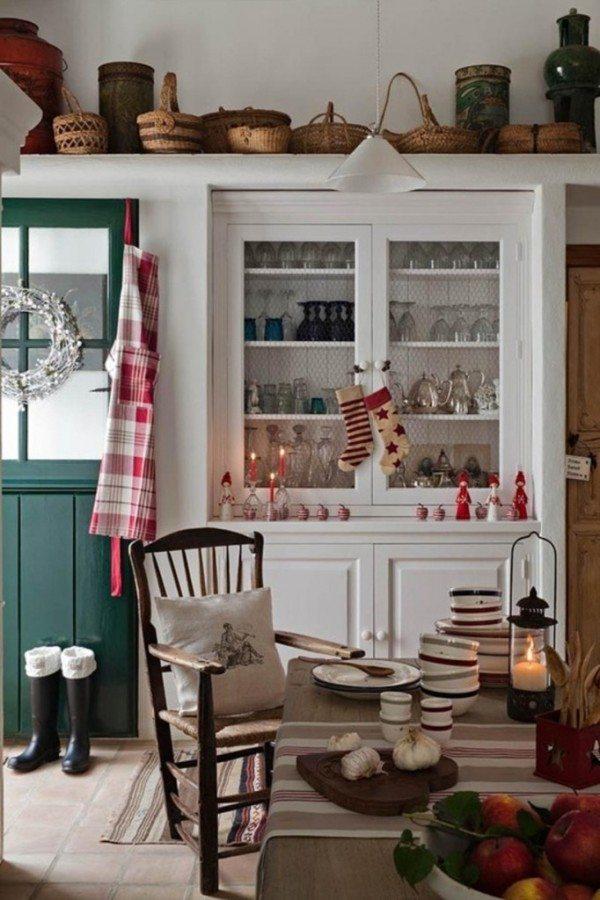 decoracion-navidena-para-la-cocina-ideas-para-vitrinas