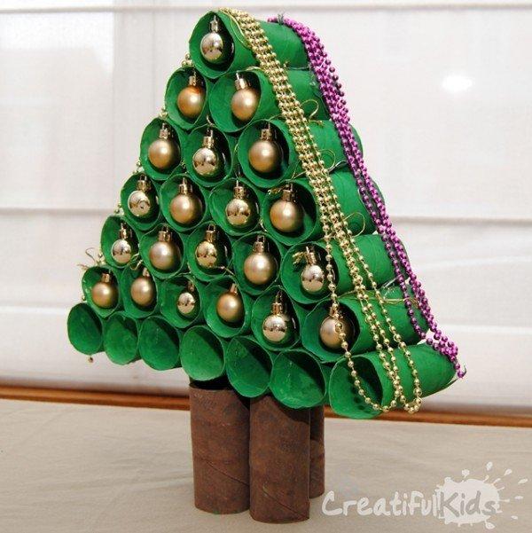 hacer-un-arbol-de-navidad-con-cartones-de-papel-higienico