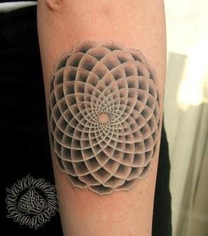 hipnotic tattoo