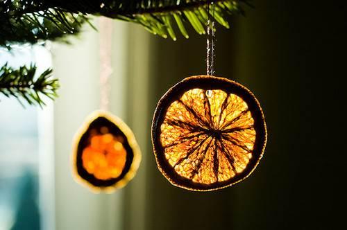 ideas-para-hacer-adornos-para-el-arbol-de-navidad-adornos-naturales-con-naranjas