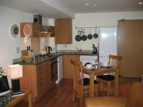 Ideas pr cticas para pisos peque os - Muebles de cocina pequenos ...