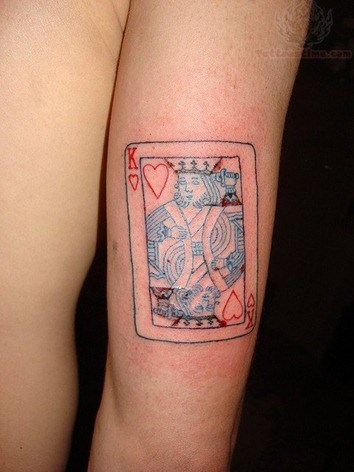 king-card-tattoo-on-bicep