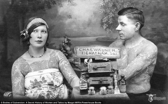 mujeres tatuadas años 20-1