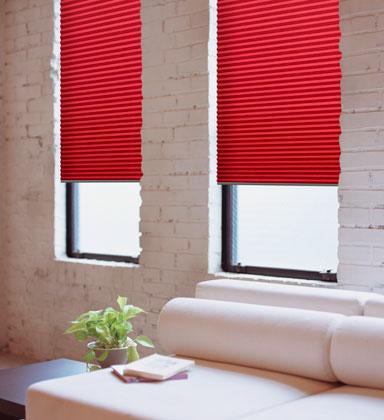 se trata de la coleccin ucvicenzaud que son cortinas de proteccin solar fabricadas con una estructura de tejido