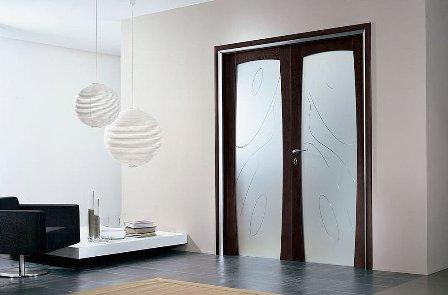 Doble puerta de vidrio abatible for Puertas de madera blancas con vidrio
