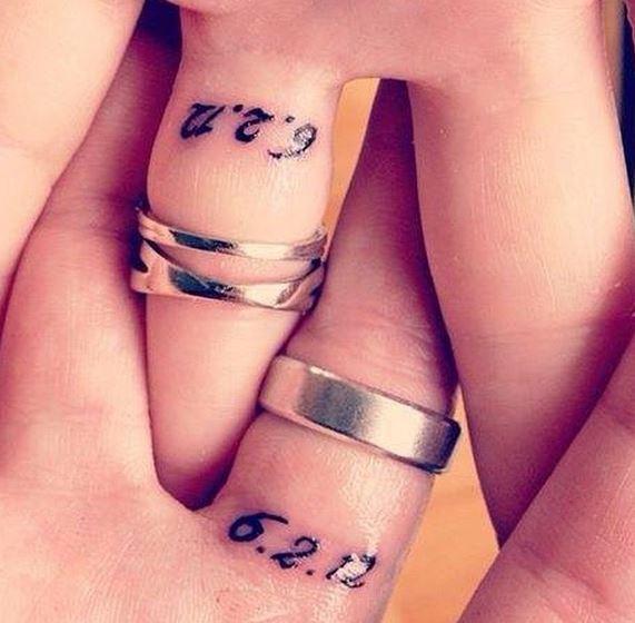 tatuajes de alianzas en los dedos o ring tattoos