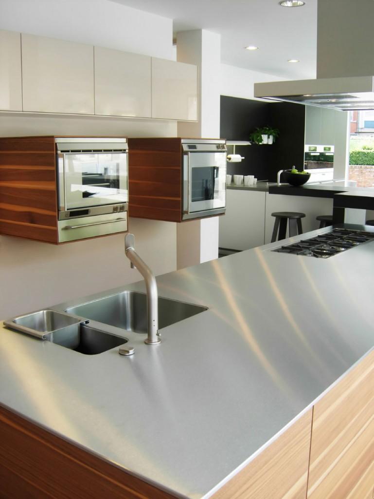 table_kitchen