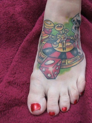 tatuaje ruleta pie