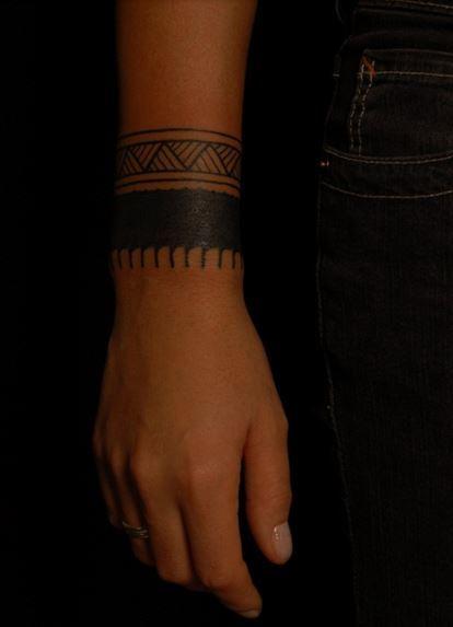 Fotos de tatuajes de brazaletes tribales